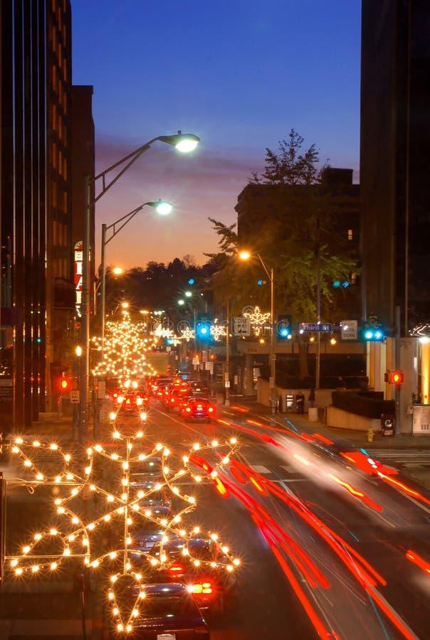Traffico festivo nella città fotografia stock