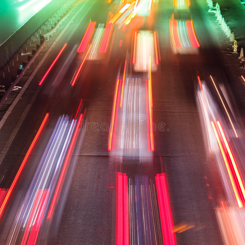 Traffico occupato di notte immagine stock libera da diritti