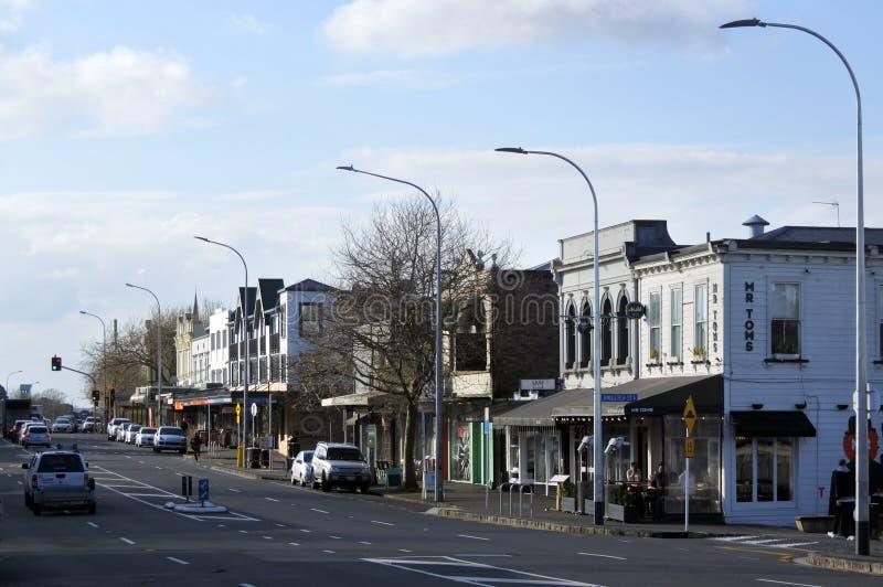 Traffico sulla strada di Ponsonby a Auckland Nuova Zelanda fotografia stock