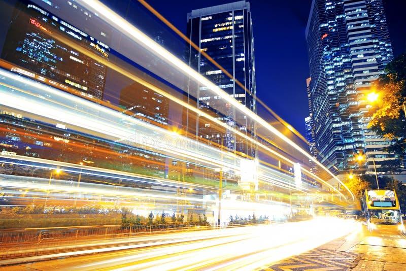 Traffico veloce e tracce chiare vaghe immagini stock libere da diritti