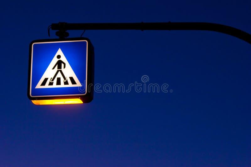 traffig знака ночи стоковые изображения