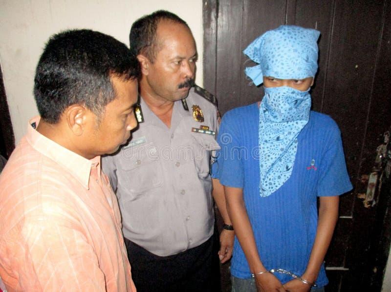 Traficante arrestado policía imagenes de archivo