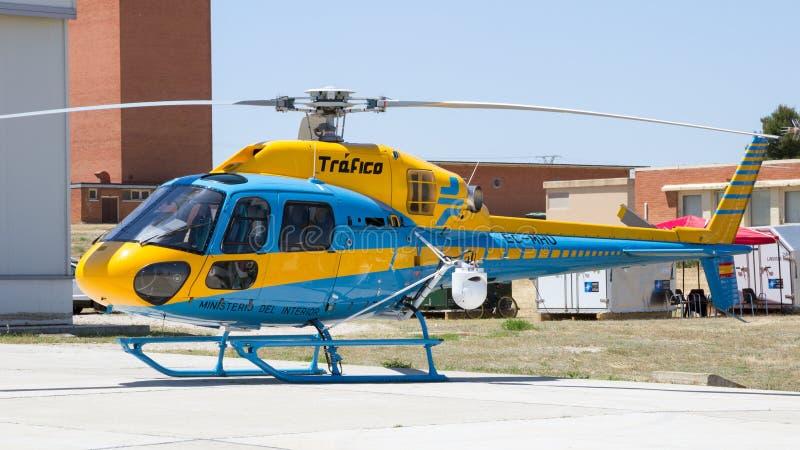 Trafico - Ministerio del Interior Eurocopter AS-355NP Ecureuil 2 foto de archivo libre de regalías