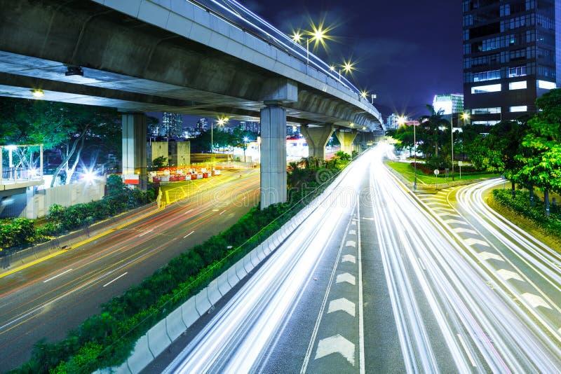 Trafik i stad royaltyfria bilder