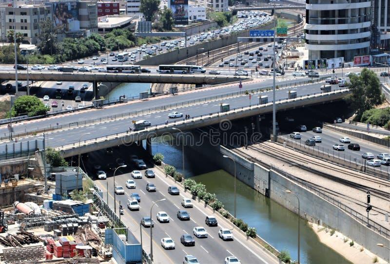 Trafik i Tel Aviv, Israel royaltyfria bilder