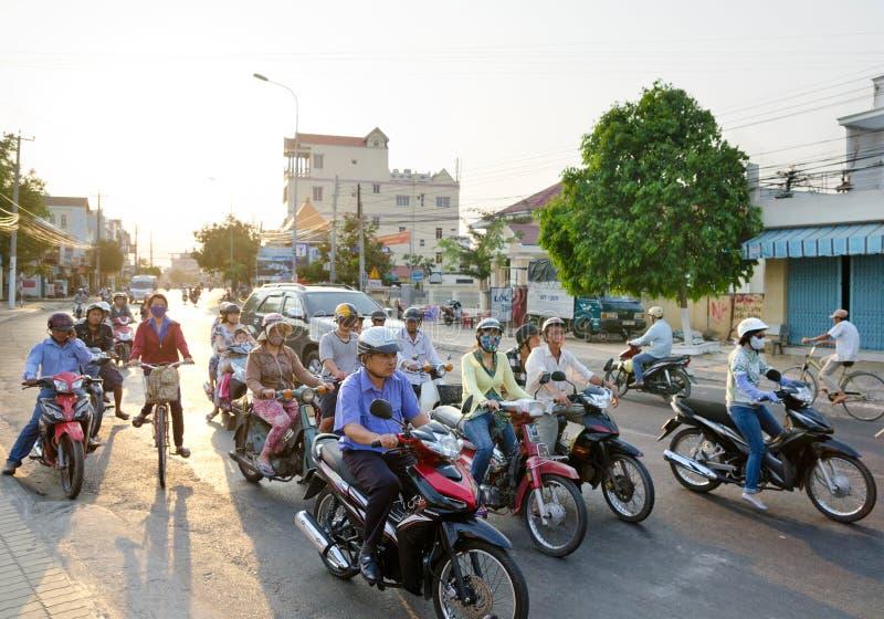 Download Trafik i Vietnam redaktionell foto. Bild av vardagar - 37346650