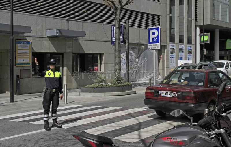 Trafik-kontrollant på gatan i Andorra la Vella royaltyfri bild