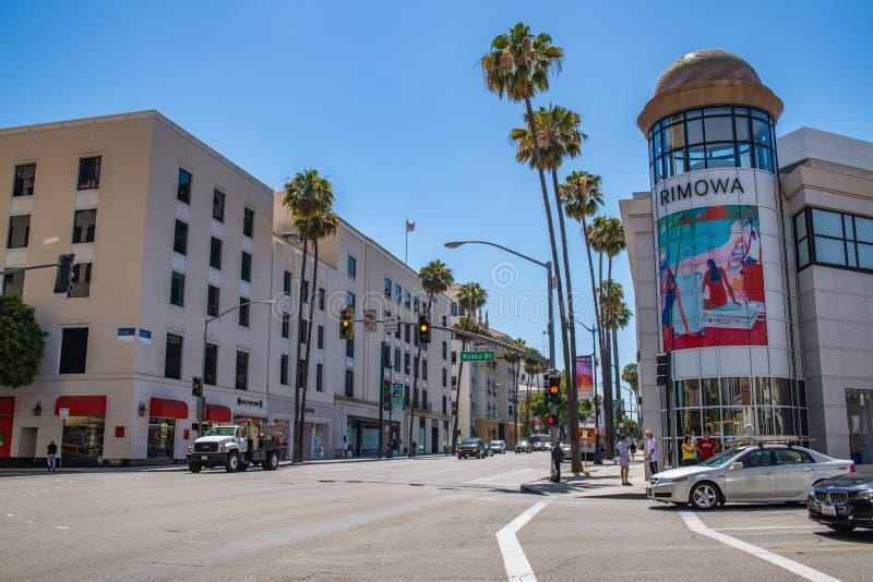 Trafik och byggnader i Beverly Hills fotografering för bildbyråer