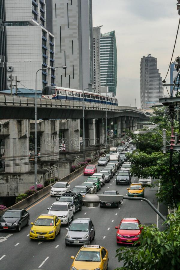 Trafik på Bangkoks gator Resa runt Asien arkivbilder