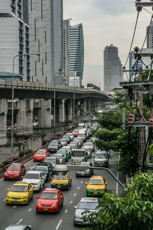 Trafik på Bangkoks gator Resa runt Asien royaltyfri bild