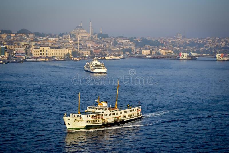 Trafik på havet i Istanbul royaltyfria foton