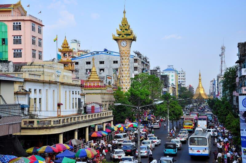 Yangon trafikerar, Myanmar royaltyfria foton
