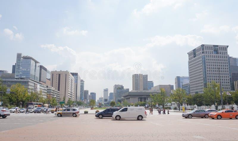 Trafikera på eftermiddag i Seoul, Sydkorea, September 2015 royaltyfri bild