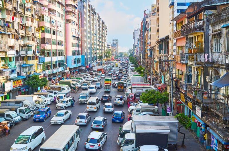 Trafikläge i Yangon, Myanmar fotografering för bildbyråer