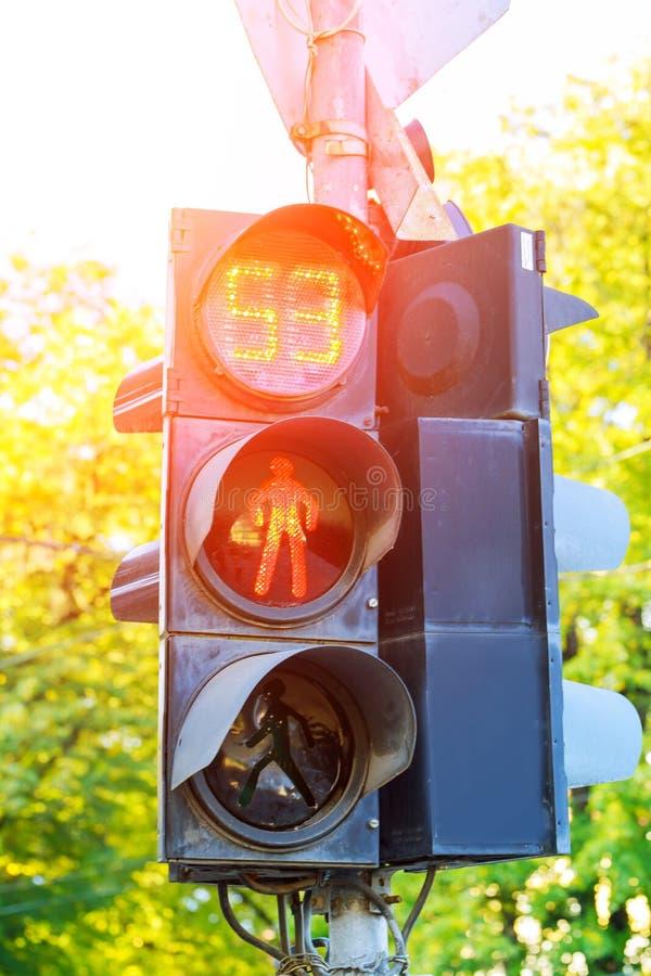 Trafikljus med sympolen för röd man royaltyfria bilder