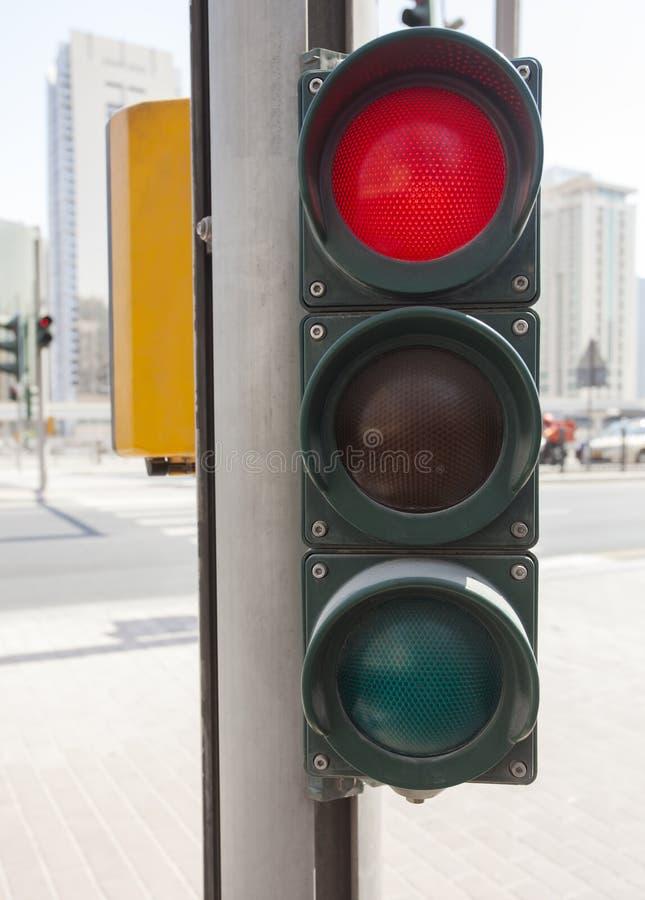 Trafikljus på röd färg royaltyfri fotografi