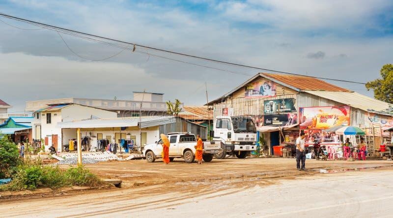 Trafique na passagem fronteiriça entre Camboja e Tailândia em imagem de stock royalty free
