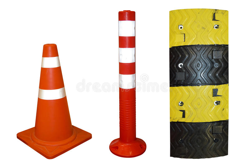 Trafique o cone e trafique Polo e colisões de velocidade plásticas fotografia de stock