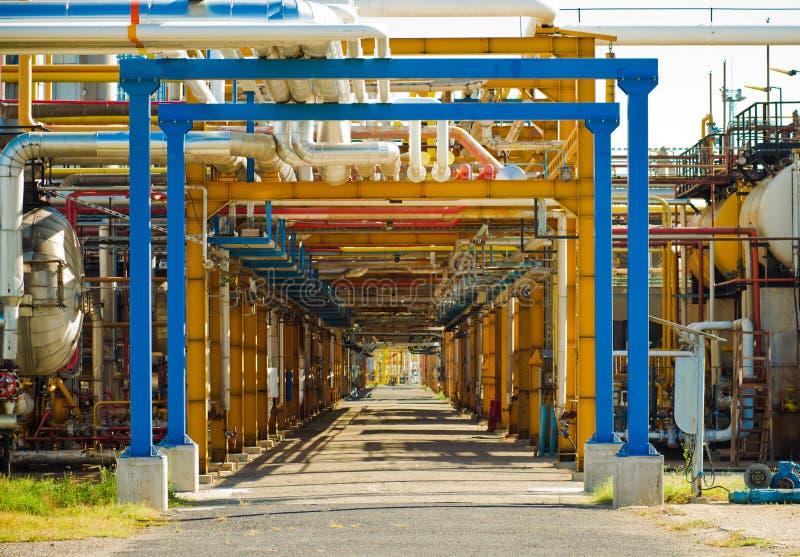 Traforo della raffineria di petrolio immagine stock libera da diritti