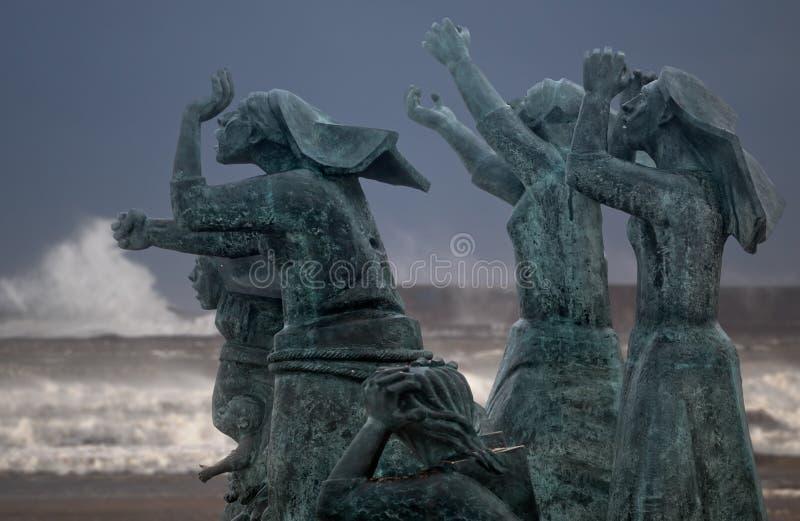 Tragédia no mar, viúvas fotos de stock royalty free