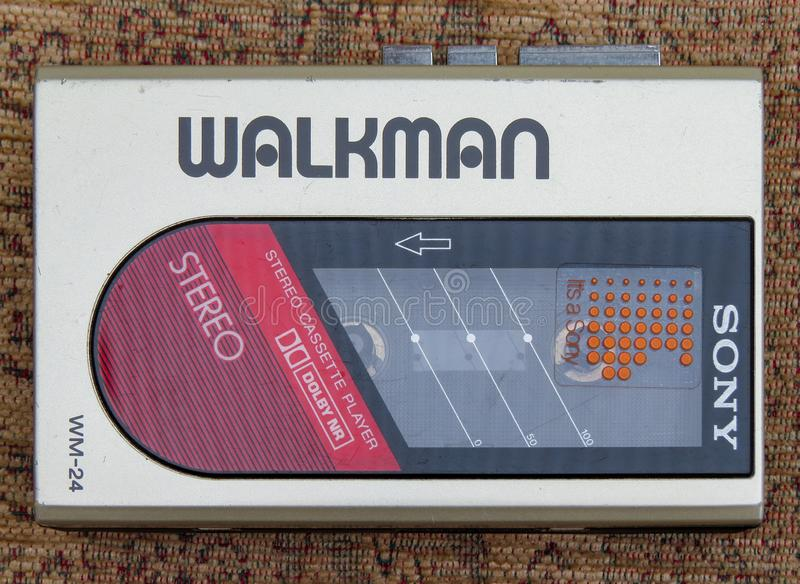 tragbarer Audio-Kassettenabspielgerät Sony Walkman Muster WM-24 lizenzfreie stockbilder