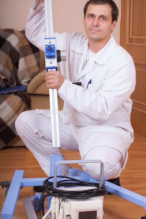 Tragbares Röntgenstrahllabor stockfotos