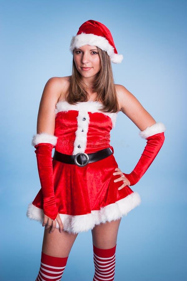 Tragende Frau Klaus costume der Frau lizenzfreie stockfotografie