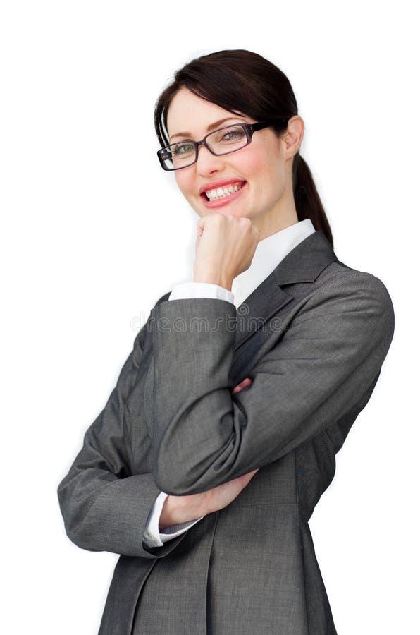 Tragende Gläser der anspruchsvollen eleganten Geschäftsfrau lizenzfreies stockbild