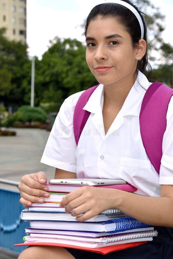 Tragende Schuluniform gefühlloser Studenten-Teenager School Girls lizenzfreie stockfotografie