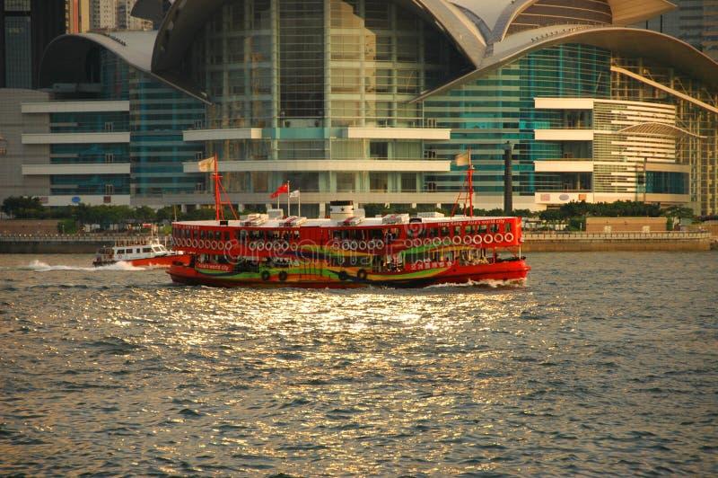 Traghetto brillantemente colorato di Hong Kong fotografie stock libere da diritti