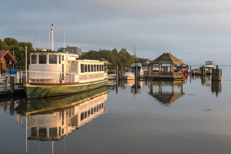 Traghetto che riposa nel porto - Alessandria d'Egitto VA, il fiume Potomac, U.S.A. fotografie stock libere da diritti