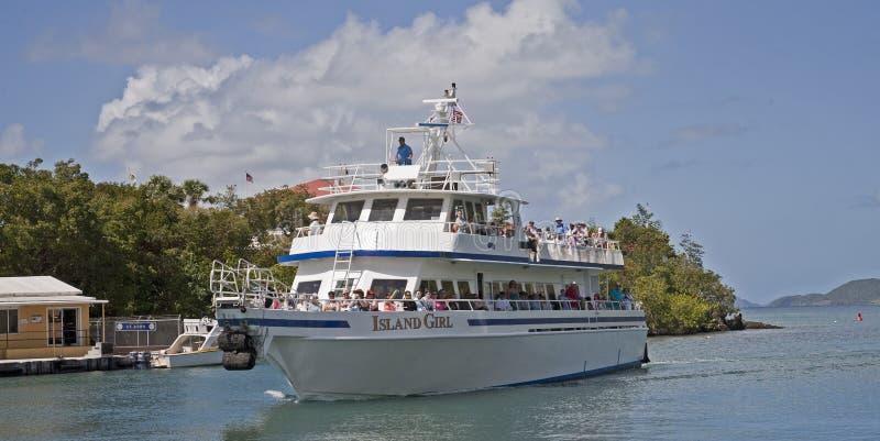 Traghetto della ragazza dell'isola fotografia stock libera da diritti