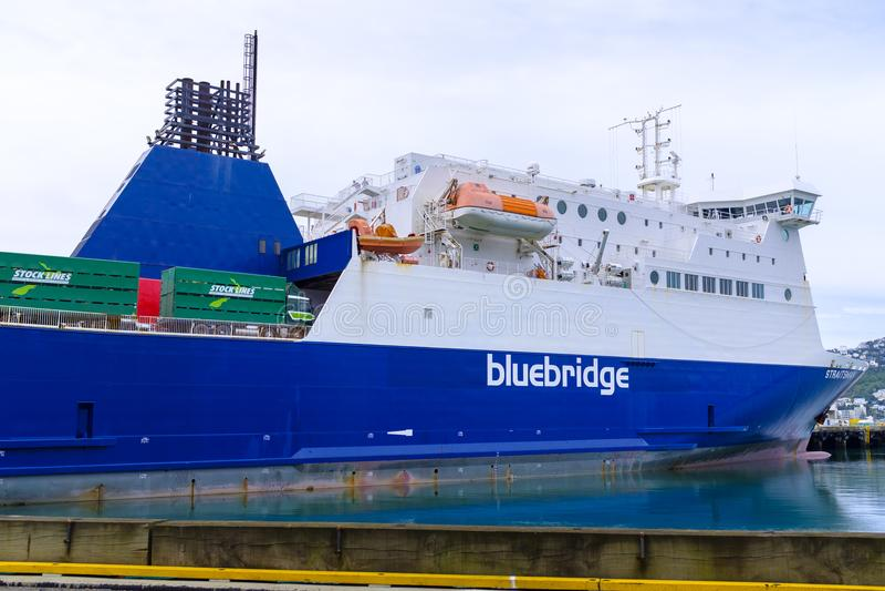 Traghetto di Bluebrudge messo in bacino a Wellington immagini stock