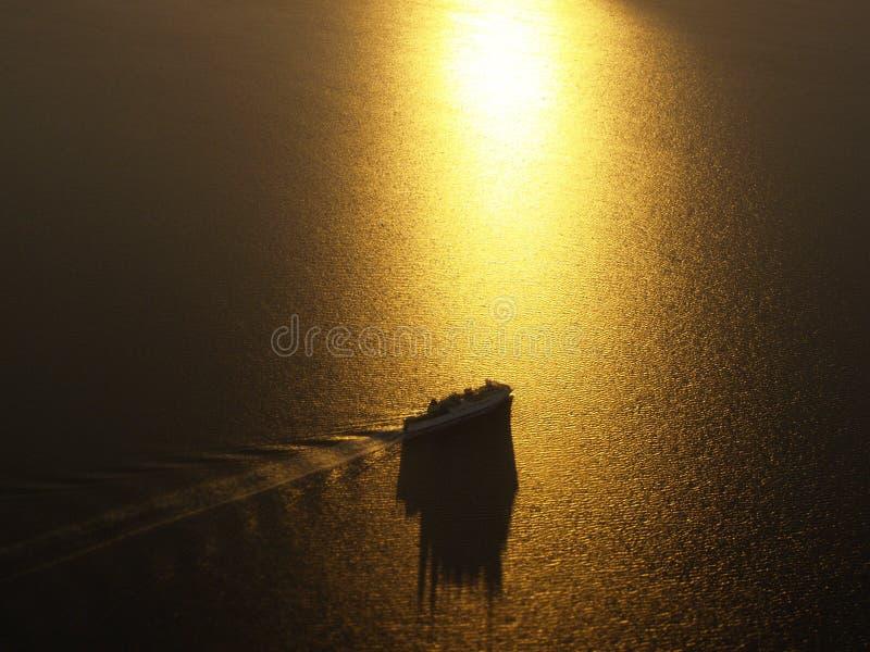 Traghetto dorato immagine stock