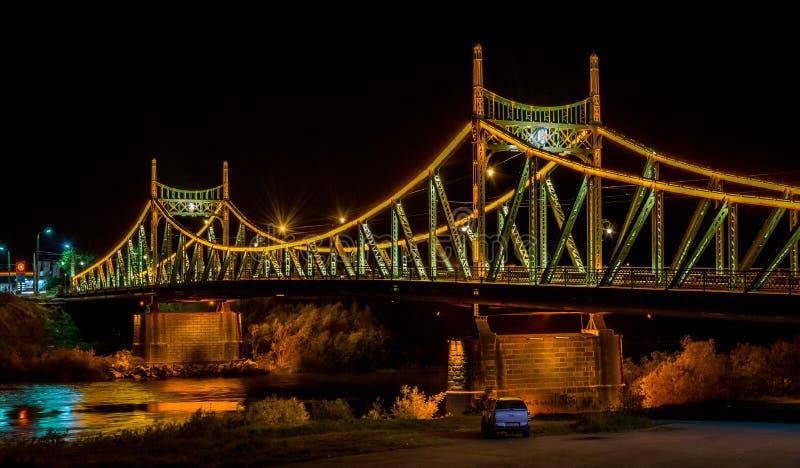Arad Rumänien traian bridge arad rumänien nachtzeitfoto redaktionelles stockfoto