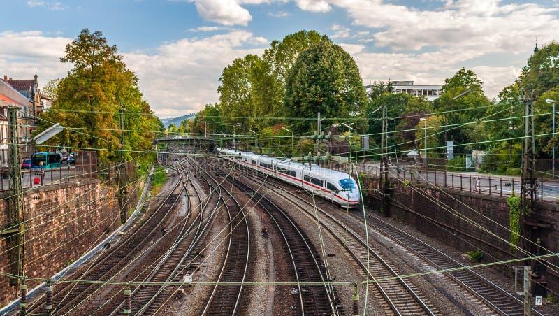 Train à grande vitesse dans Offenburg image stock