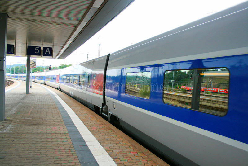 train à grande vitesse de la France TGV photo stock