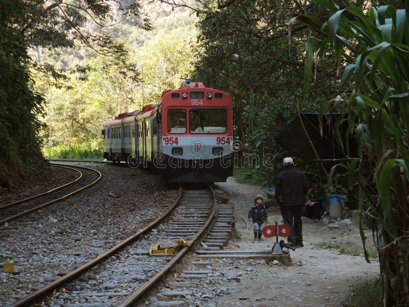 Download Train à Machu Picchu, Pérou Image éditorial - Image du fond, tranquillité: 77157855