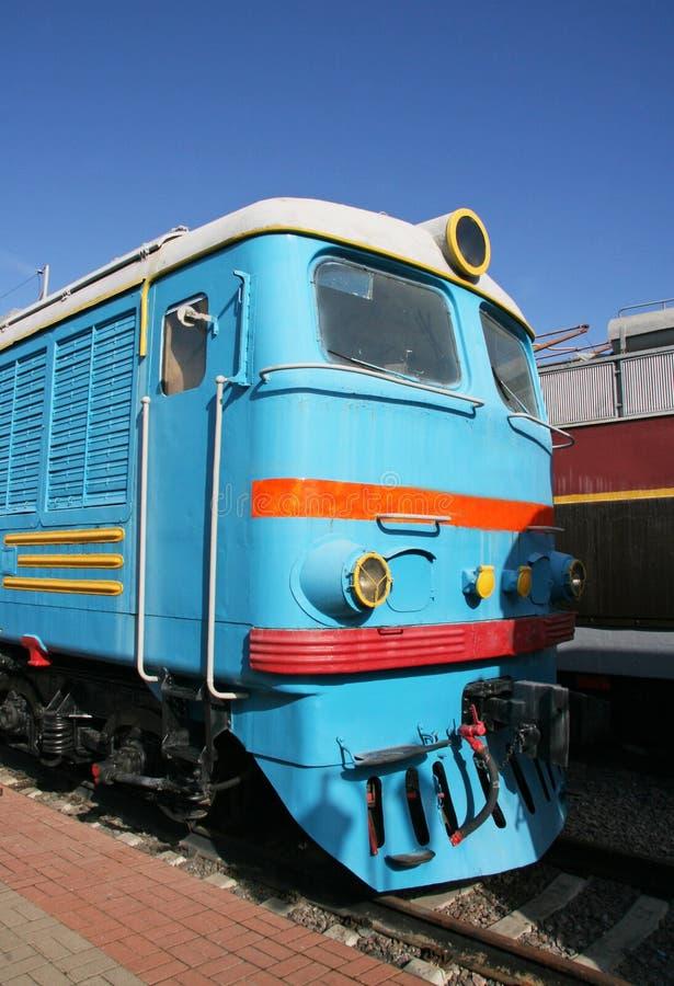 Train électrique bleu image stock