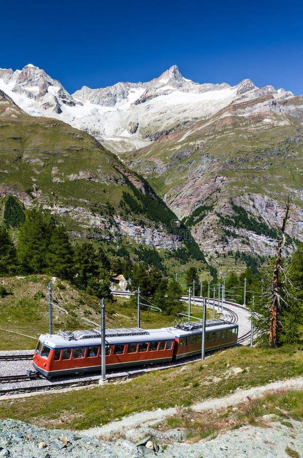 Train alpin en Suisse, Zermatt images stock