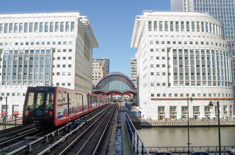 Download Train At Canary Wharf Station, Docklands Editorial Stock Photo - Image: 33965588