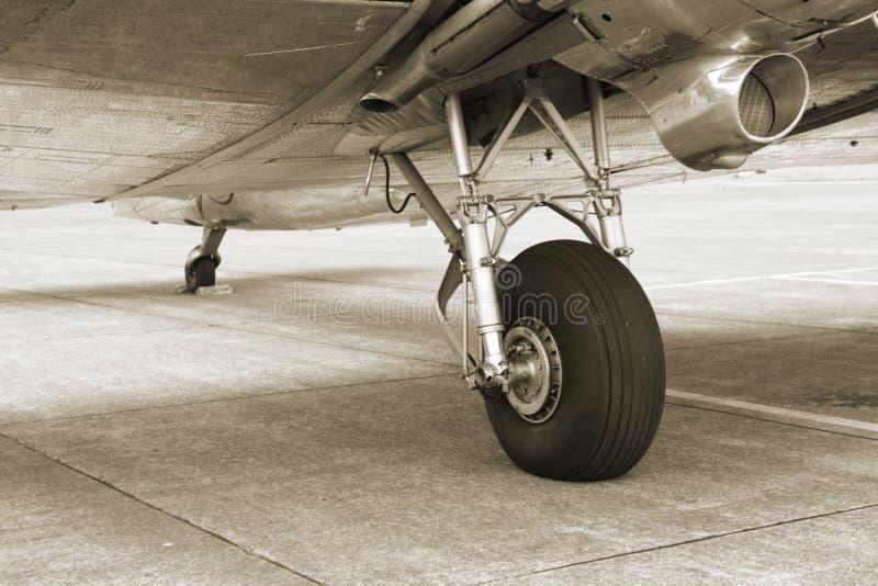 Train d'atterrissage du cru DC3 photo libre de droits