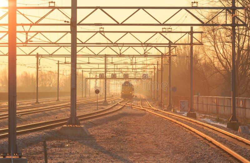 Train dans la distance photo stock