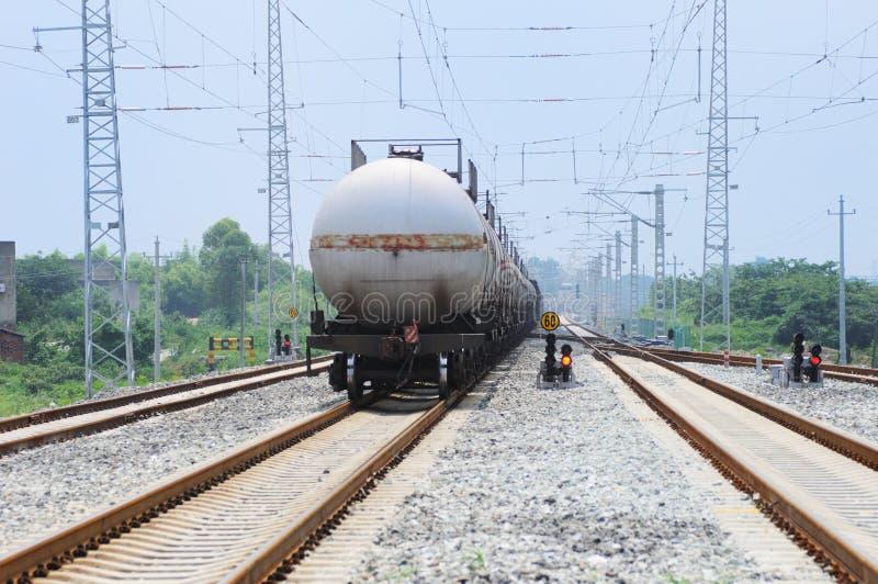 Train de camion de réservoir d'huile image libre de droits
