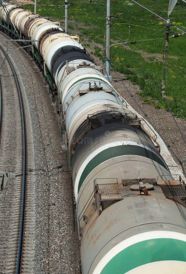 Train de camion de réservoir de pétrole brut photographie stock libre de droits