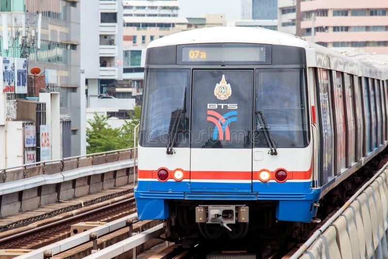 Train de ciel de BTS à Bangkok Thaïlande images libres de droits