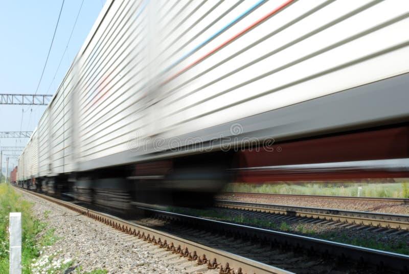 Train de fret à grande vitesse photographie stock libre de droits