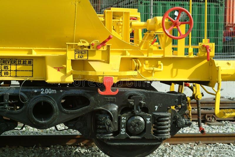 Train de fret jaune photos libres de droits