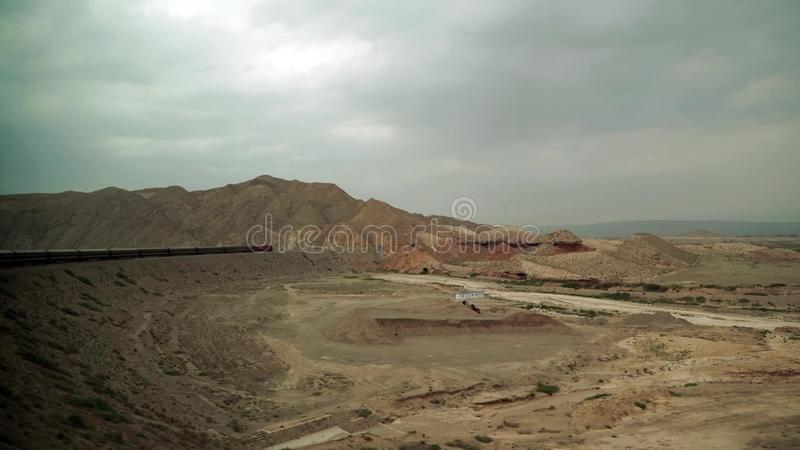 Train de Lhasa-Pékin passant le plateau tibétain clips vidéos