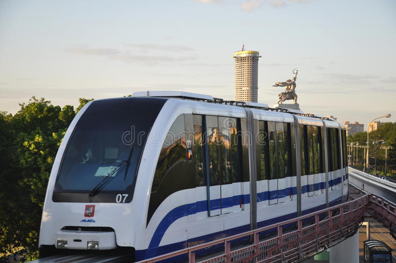 Train de monorail. photographie stock libre de droits